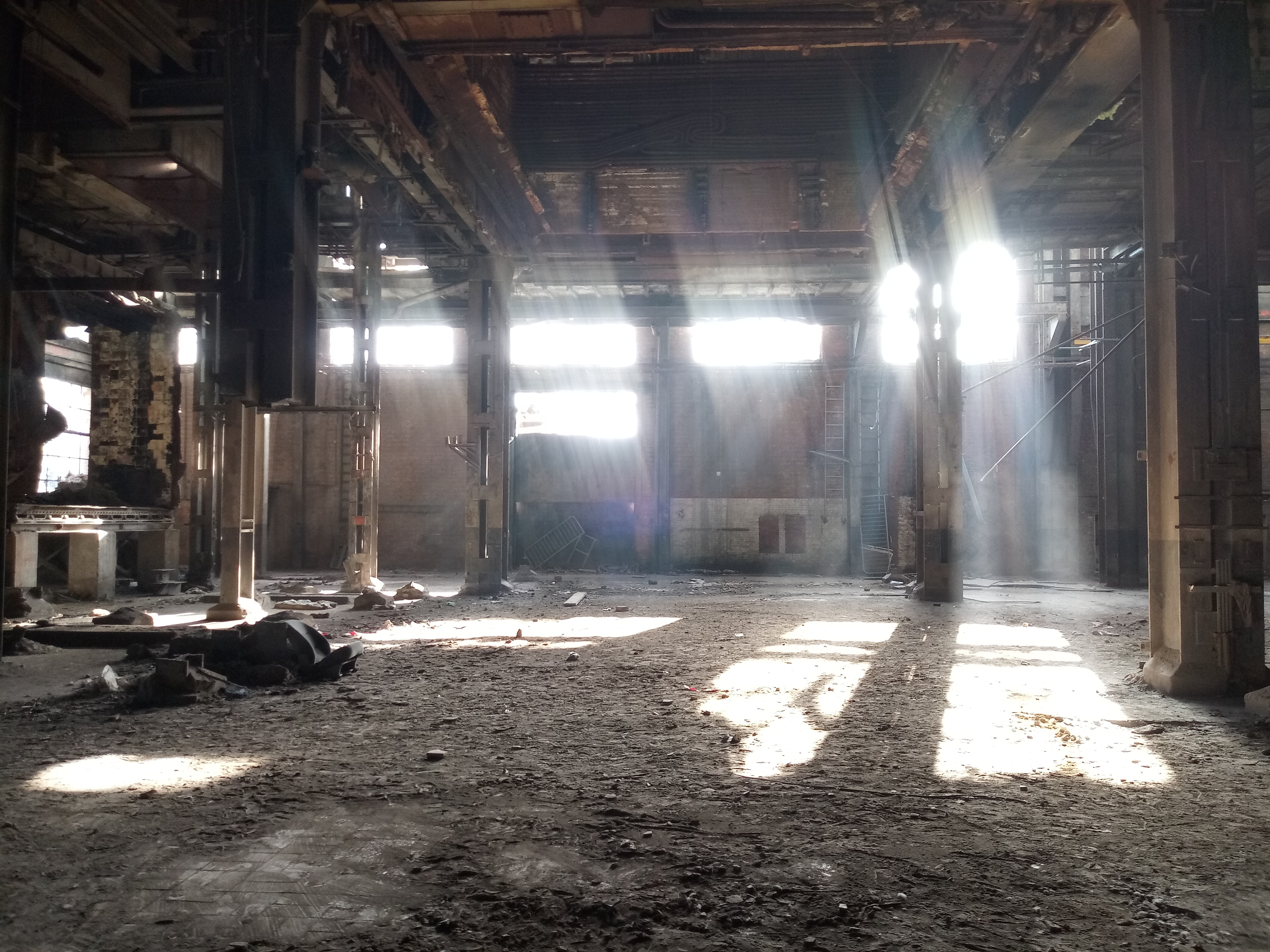 ruines_centrale.jpg