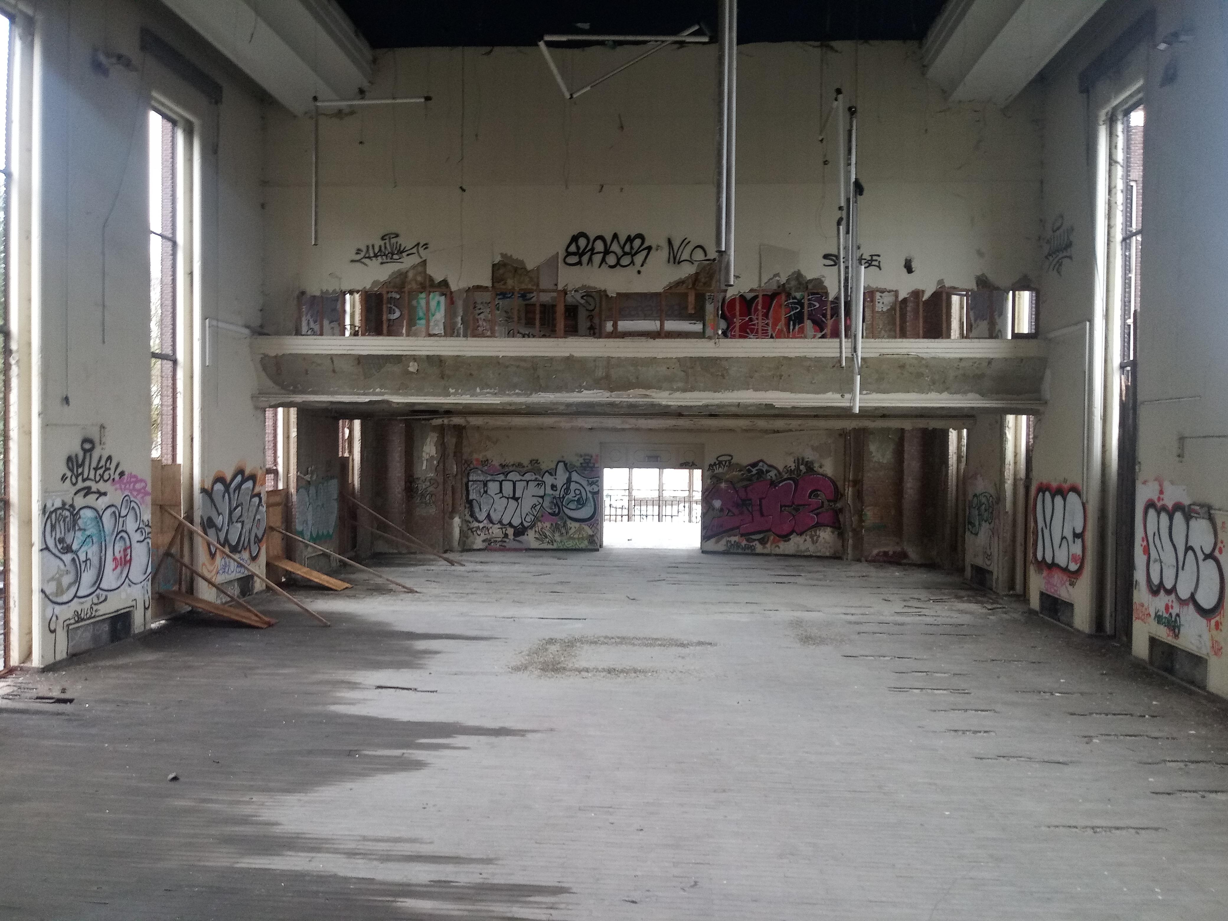 salle_piscine2.jpg