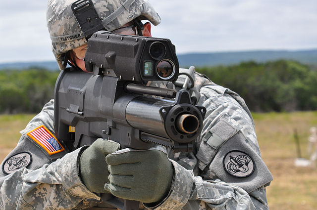 The_U.S._Army_-_Testing_the_new_XM-25_weapon_system.jpg