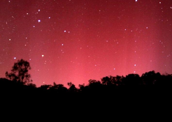 Aurora_australis_panorama.jpg